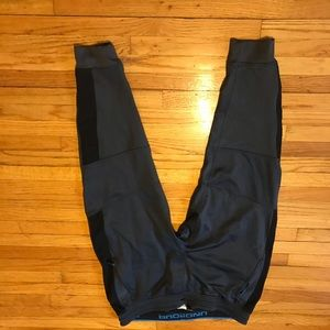 Under Amour exercise pants size xxl